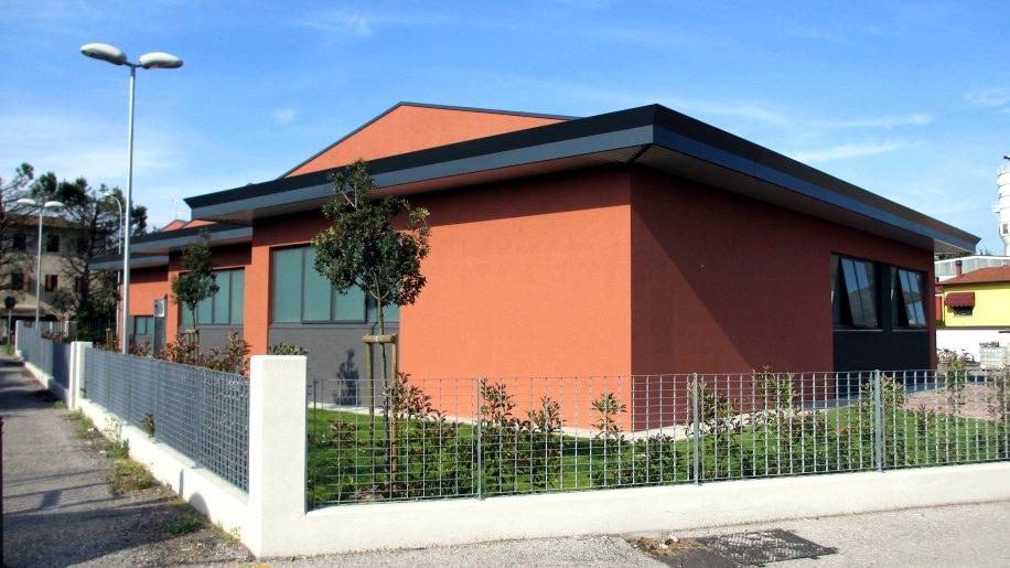 Ampliamento edificio artigianale in zona residenziale